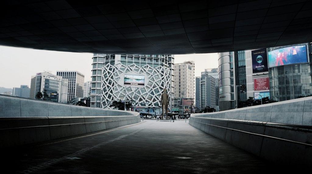 Gehweg beim Dongdaemun Design Plaza