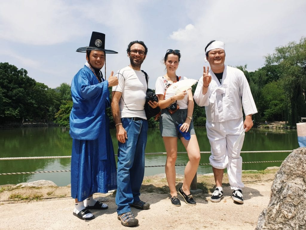 Travellerin Lisa und südkoreanische YouTuber