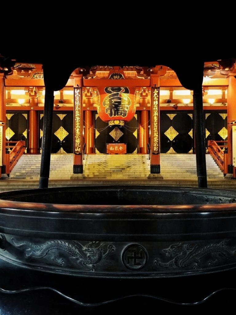 Weihrauchschale im Asakusa Tempel