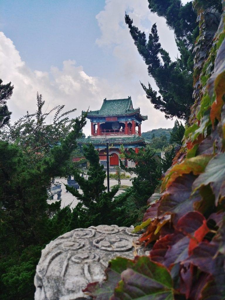 chinesischer Tempel auf dem Tianmen Mountain