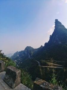 99 Kurven zur Tianmen Cave, Tagesausflug auf den Tianmen Mountain