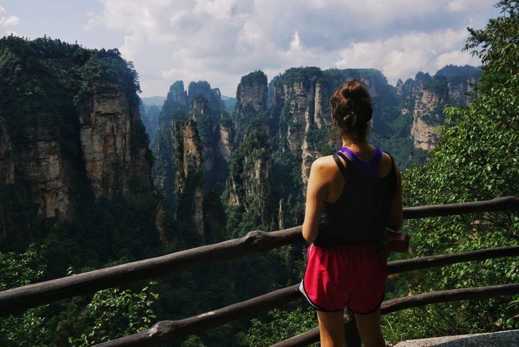 Travellerin Lisa auf den Halleluja-Bergen