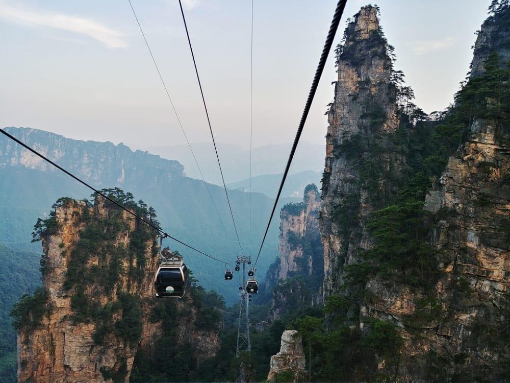 Seilbahn hoch zum Tianzi Mountain