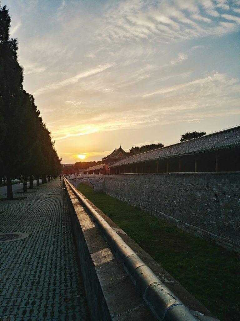 Sonnenuntergang im Park des Himmeltempels