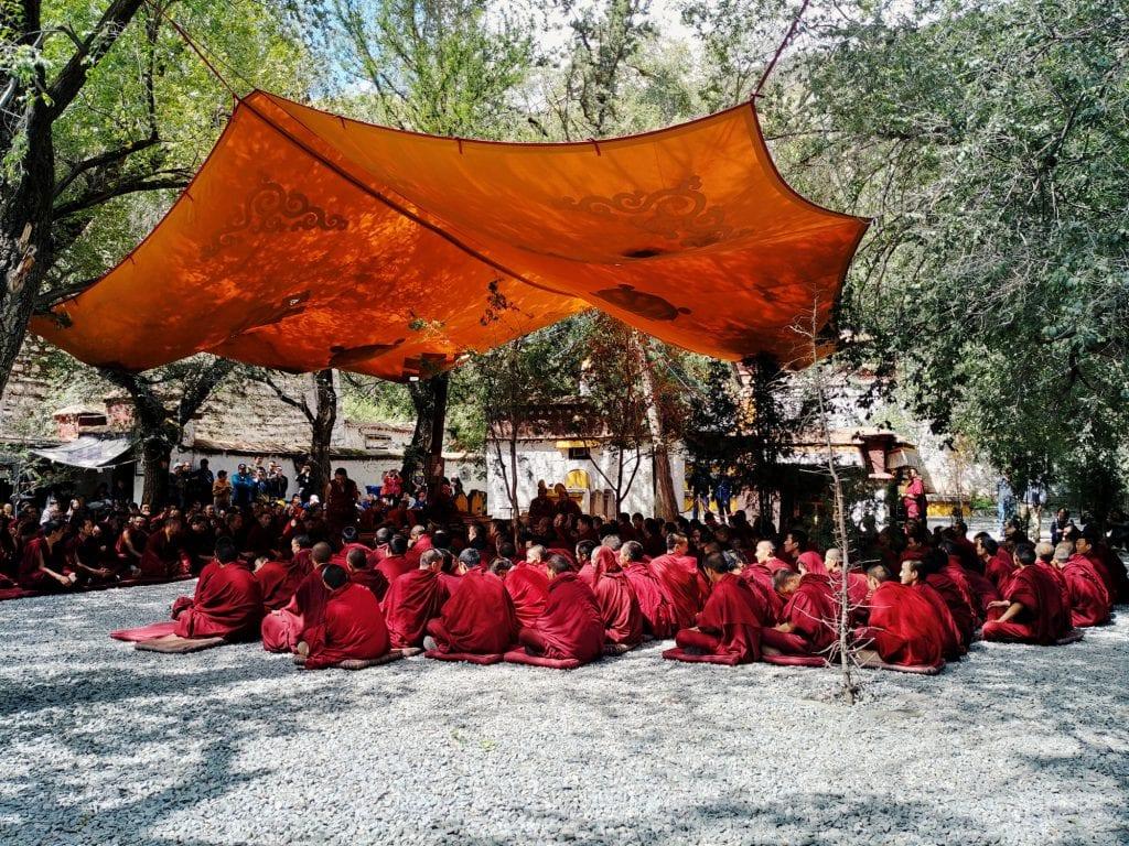 Mönchsdebatte in der Sera Monastery