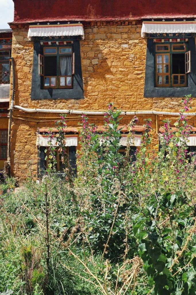 Mönchsunterkunft in der Sera Monastery