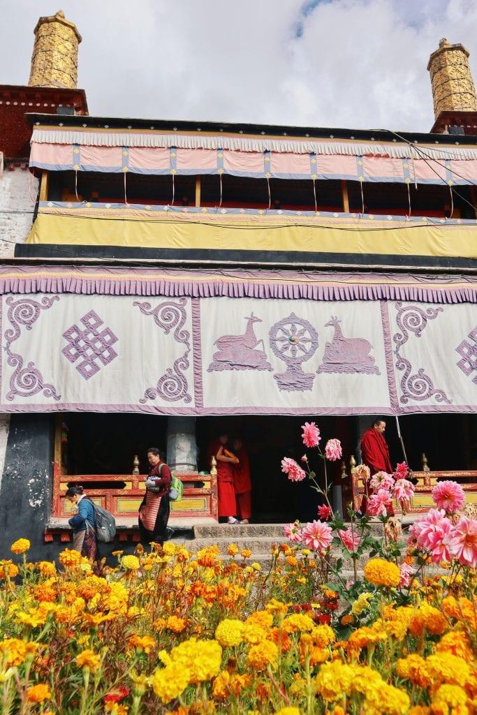 Heilige Stätte in der Drepung Monastery