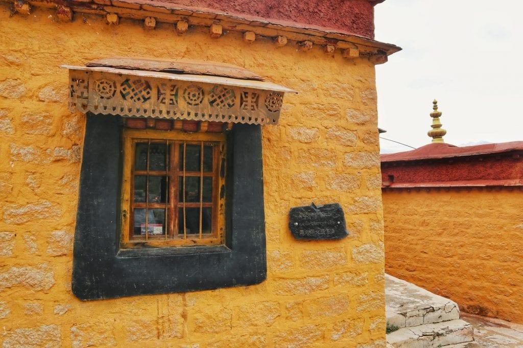 Mönchsunterkünfte der Drepung Monastery
