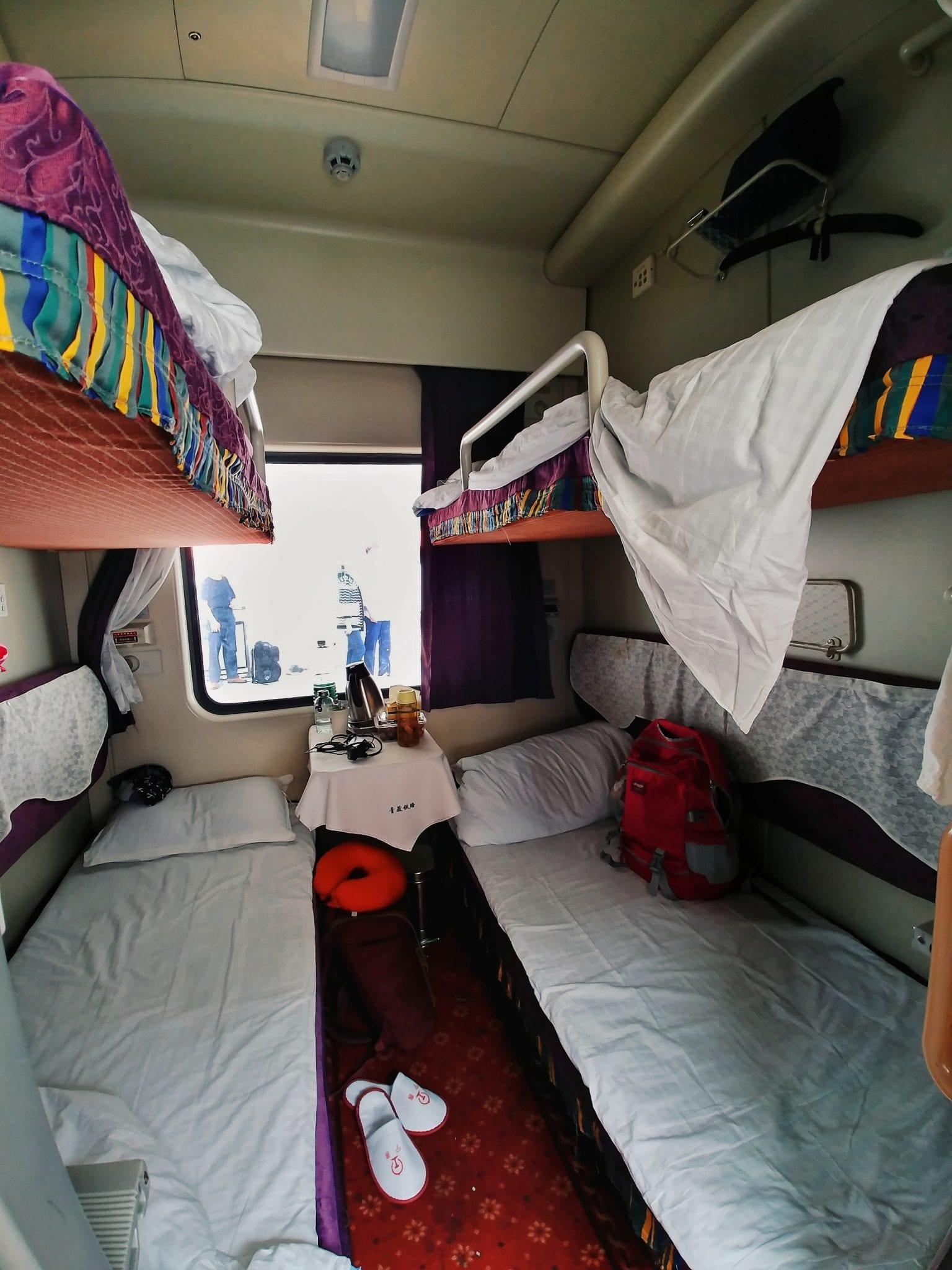 Vierbett-Abteil im Zug nach Tibet