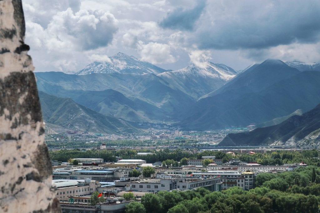Aussicht auf Lhasa vom Potala Palast aus