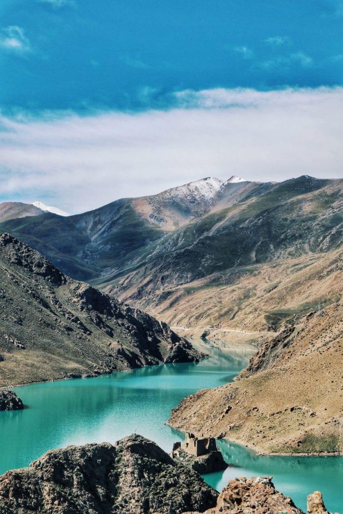 Manle-Talsperre mit Gletscher