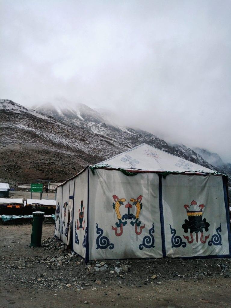 Post im Mount Everest Basecamp