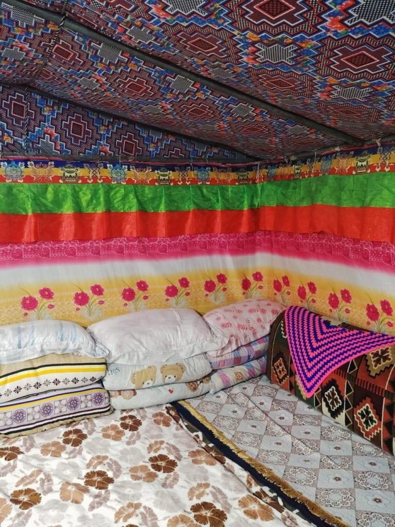 Zelt innen im Mount Everest Basecamp