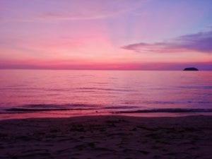 Bangkok nach Koh Chang_Ankunft mit Sonnenuntergang _Lonely Beach