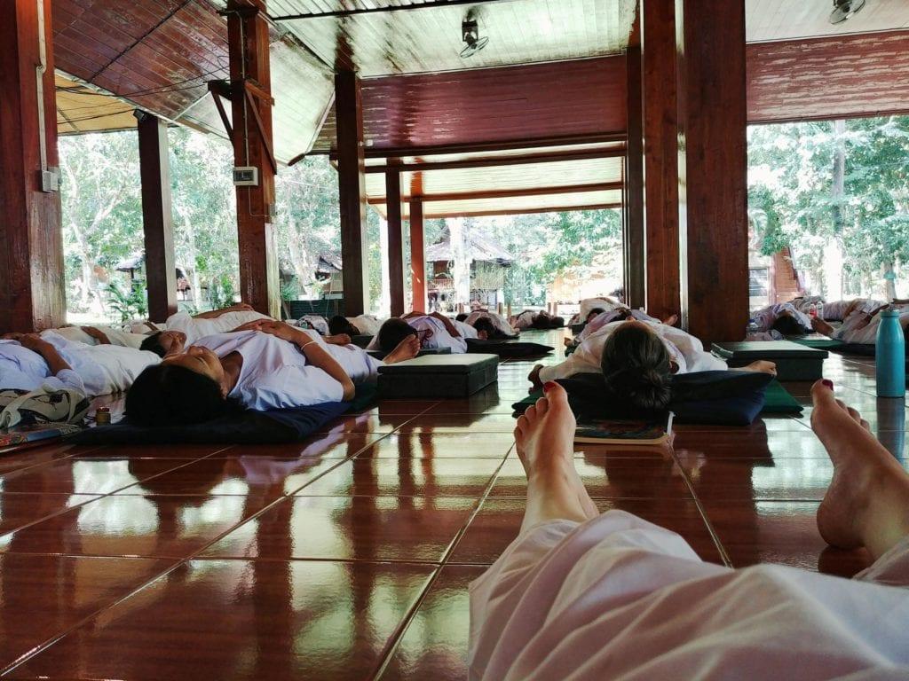 Meditieren in Thailan_Lying Meditation