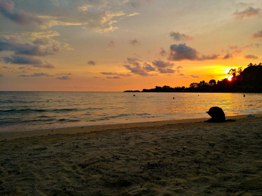 Sonnenuntergang am Pajamas Hostel Koh Chang_Klong Prao Strand