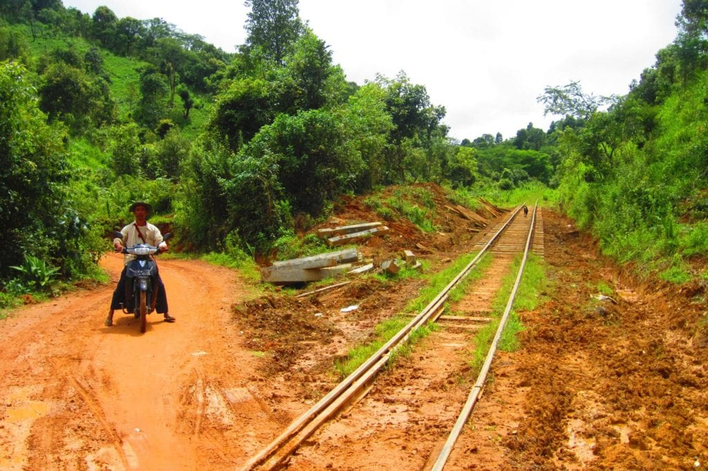 Trek Myanmar Bahngleise