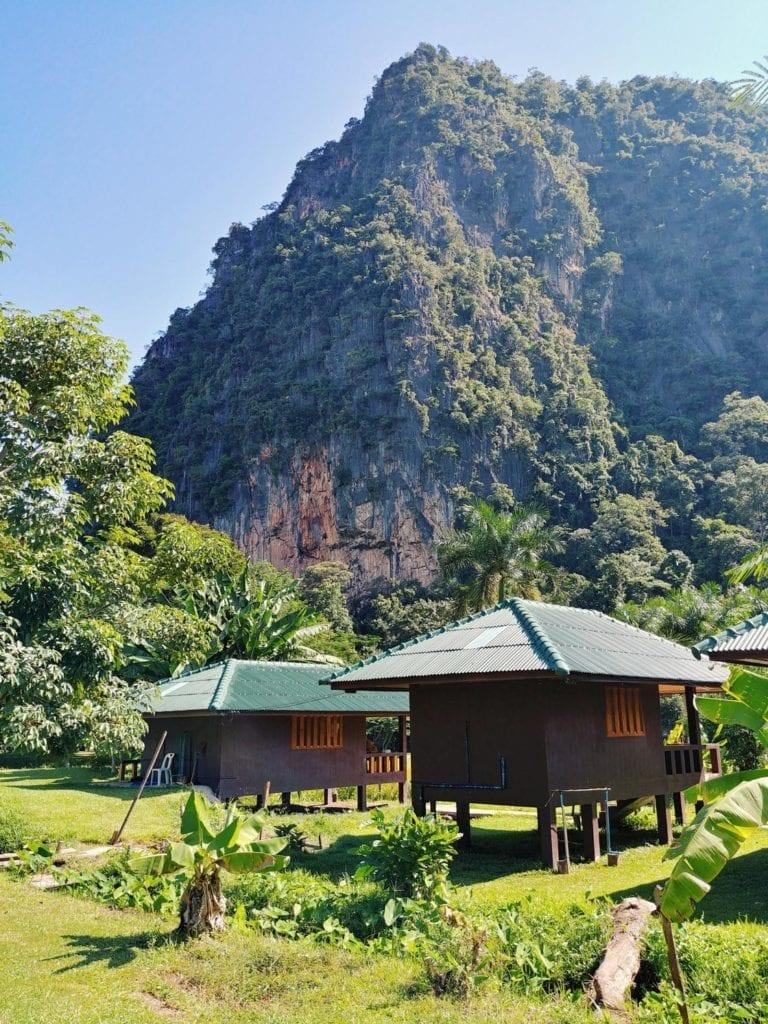 Wat Pa Tam Wua Forest Monastery _Hütten zum Schlafen