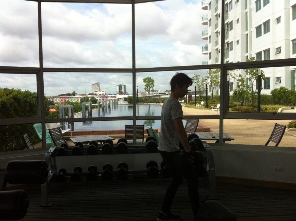 Wohnungssuche Bangkok Suaplai Park Fitnessstudio