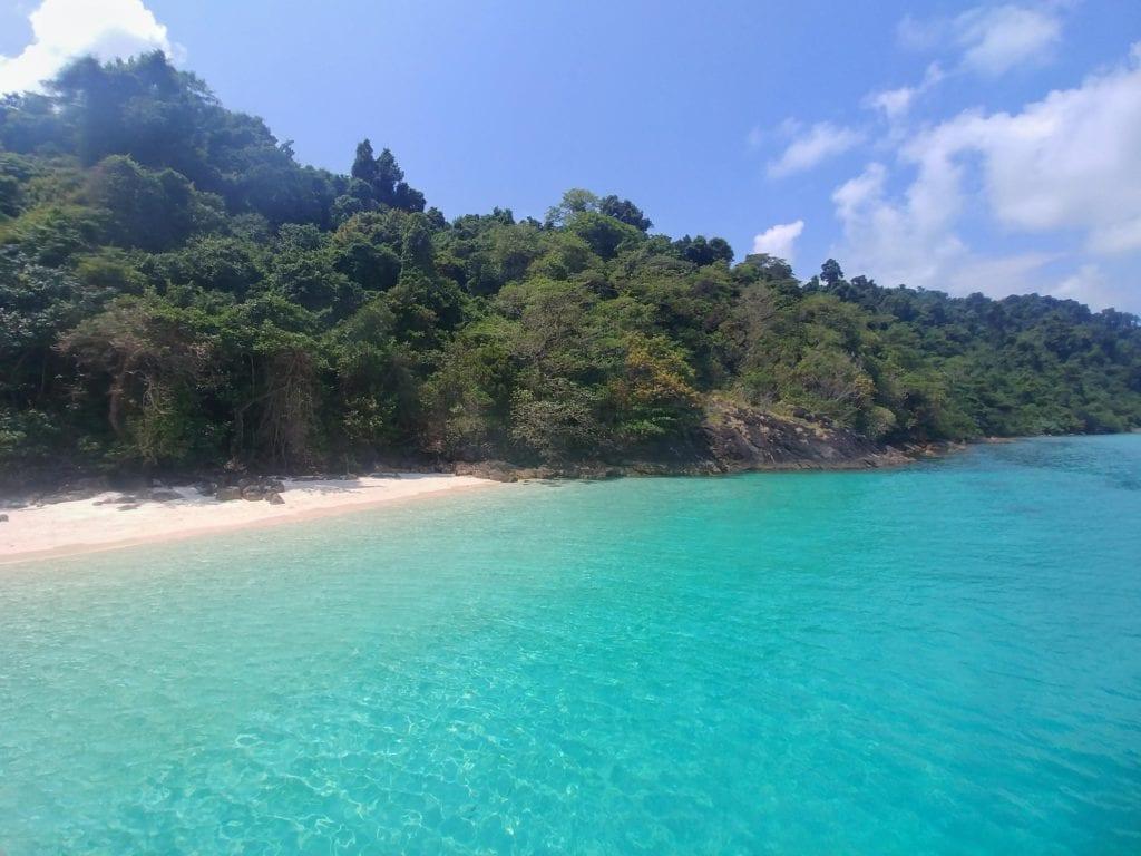 einsame Inseln beim Schnorcheln auf Koh Chang
