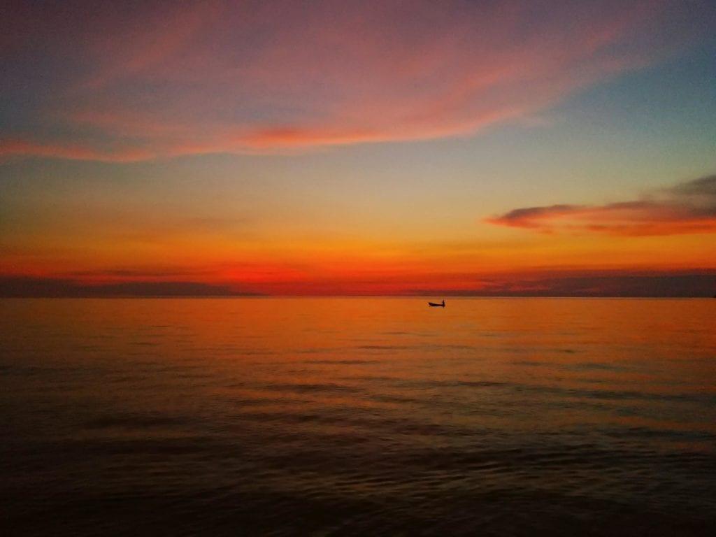 erster Sonnenuntergang auf Koh Chang_Lonely Beach