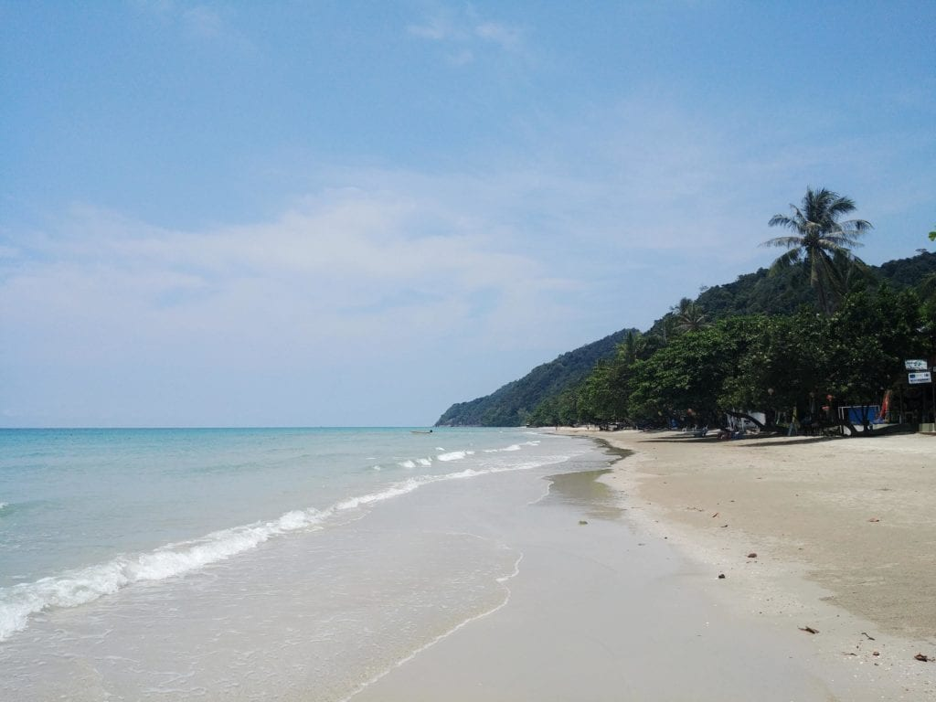 ohne Scooter auf Koh Chang_Whitesandy Beach