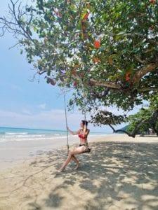 ohne Scooter auf Koh Chang_Whitesandy Beach Schaukel_Travellerin