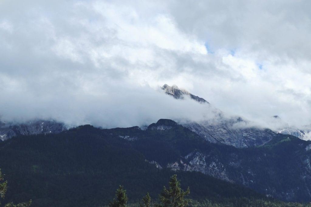 Karwendel Gebirge in Wolken