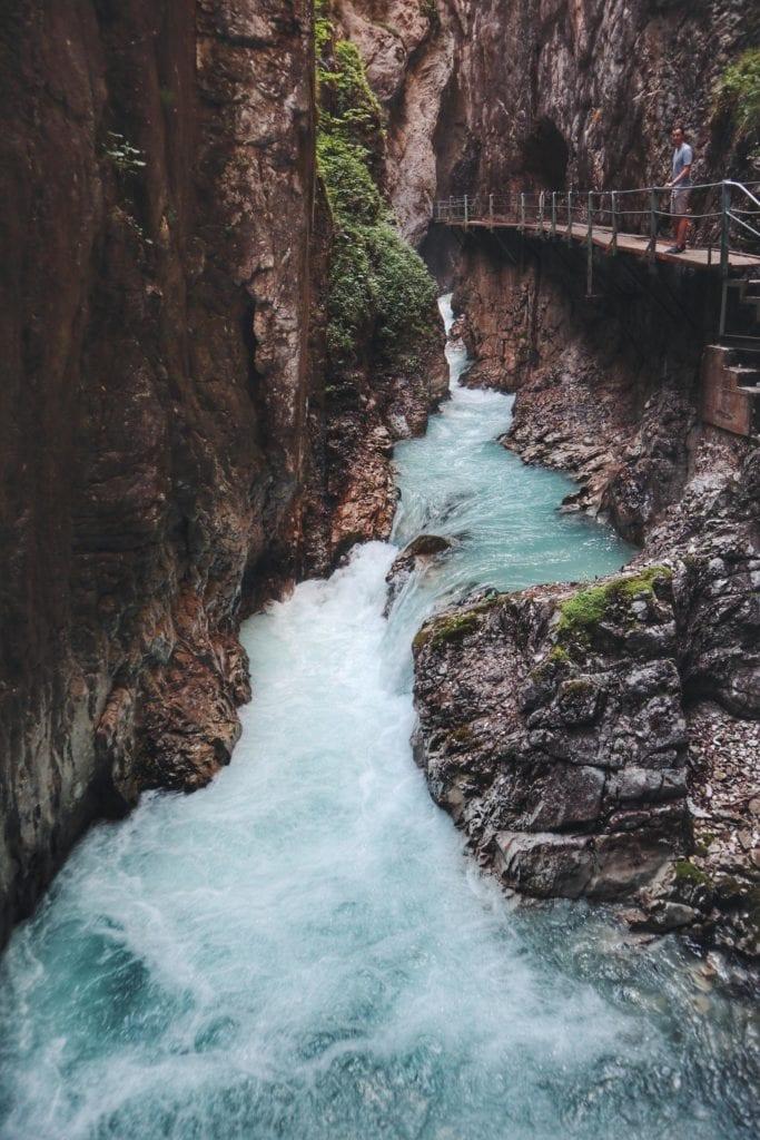 Leutaschklamm Wasserfallsteig tosendes Wasser
