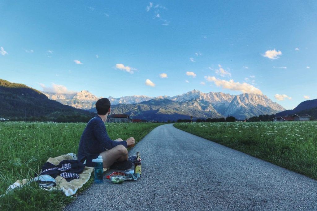 Picknick Farchant Blick auf Zugspitze