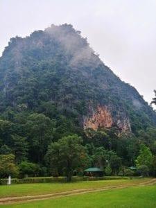 Teich der Wat Pa Tam Wua Forest Monastery