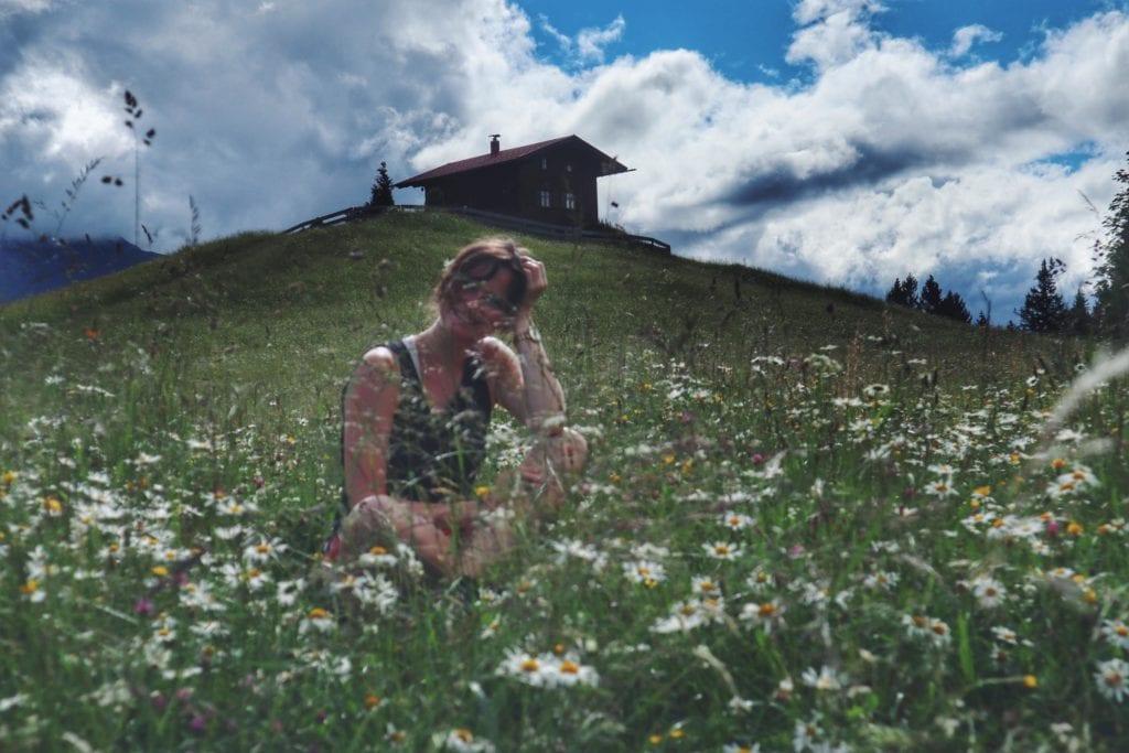 Travellerin Lisa Blumenwiese Eckbauer Berg