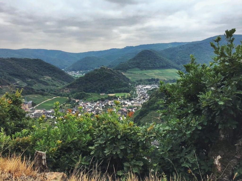 Weinwanderung Ahrtal Blick auf die Stadt