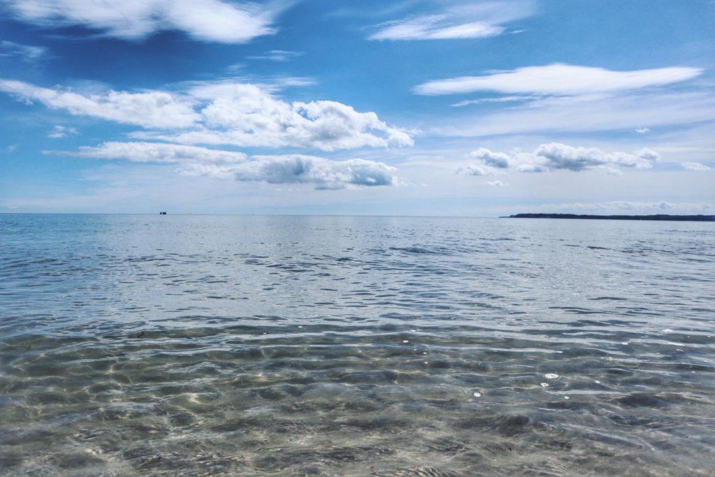 Ausflugstipps Sassnitz Strand in Mukran Sicht auf Bucht