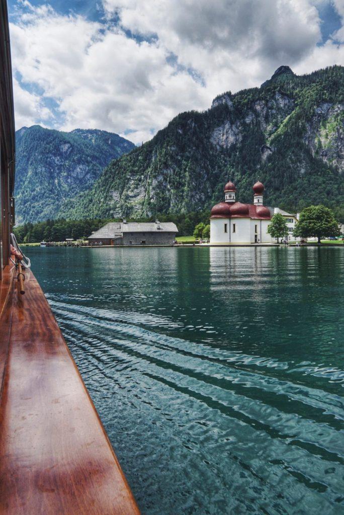 Bootsfahrt Königssee Blick auf St. Bartholomä