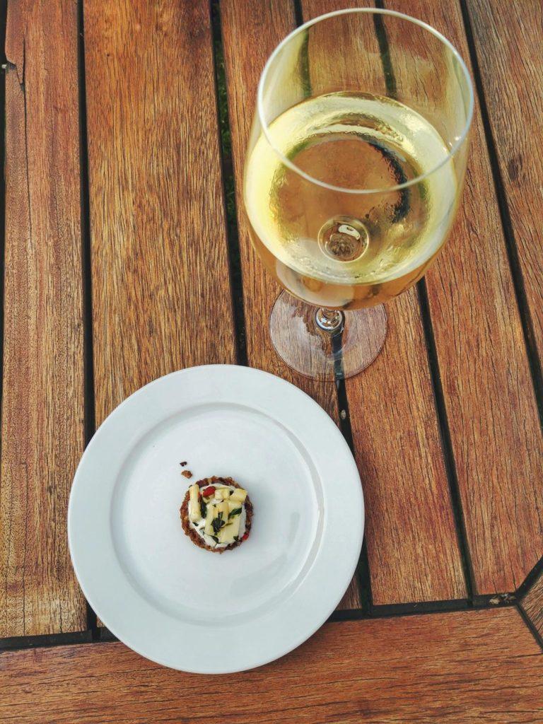 Restaurant Gut Damp Wein und Vorspeise