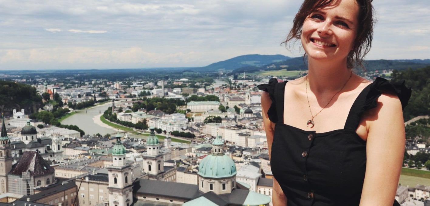Travellerin Lisa Blick auf Salzburg von Festung