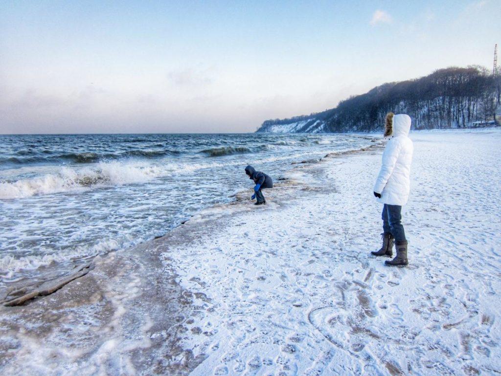 Winterliche Wanderung am Strand von Göhren auf Rügen