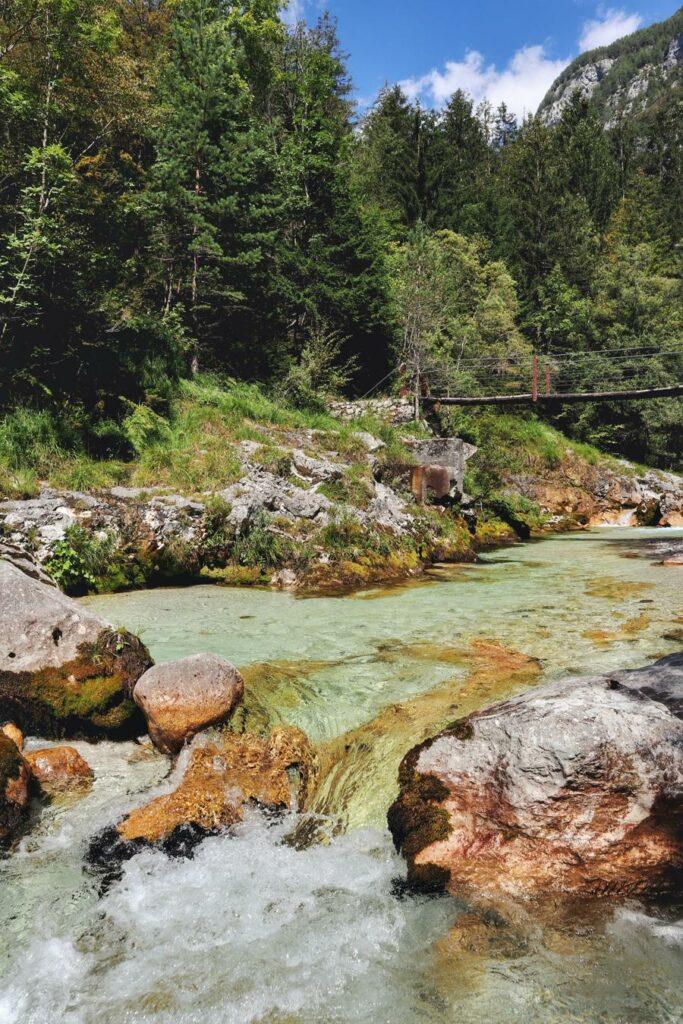 Wandern in Slowenien_auf dem Soska Pot_Blick auf Brücke