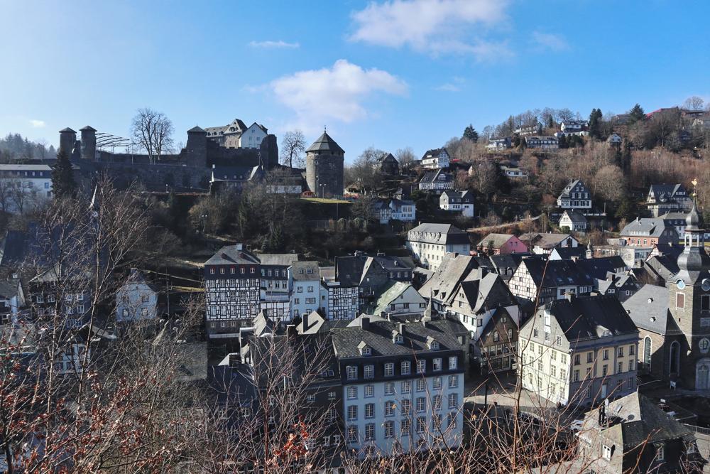 Monschau Rundwanderweg_Blick auf Burg Monschau