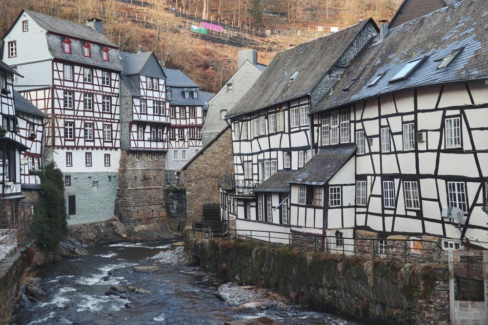 Monschau Rundwanderweg_Blick auf Fachwerkhäuser