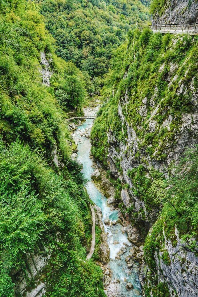Slowenien Sehenswürdigkeiten_Blick in die Tolmin Klammen
