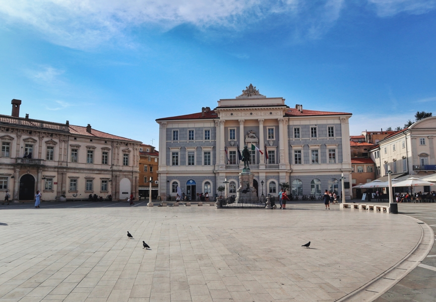 Slowenien Urlaub am Meer_Piran_Rathaus auf dem Tartiniplatz