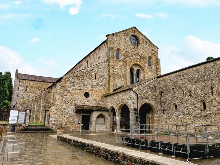 Italien Roundtrip_Basilika von Aquileia von außen